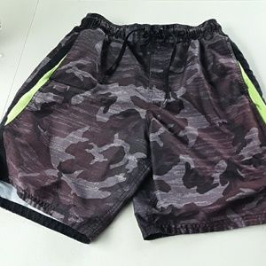 NIKE MENS SWIMMING SUIT SIZE S WITH ZIPPERED POCKT